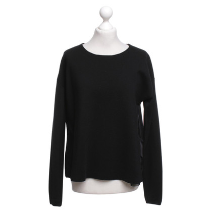 Dorothee Schumacher Sweater in black