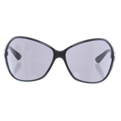 Armani Sunglasses in black