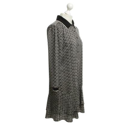 Diane von Furstenberg Kleid mit grafischem Muster