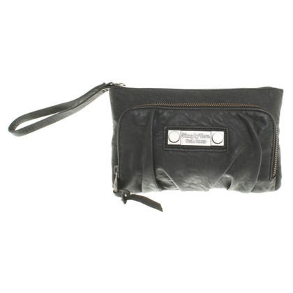 Vera Wang clutch made of leather