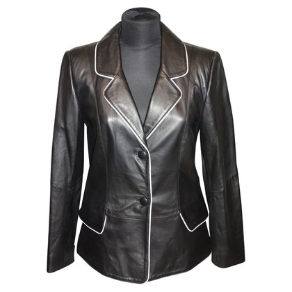 Laurèl Leather Blazer in black