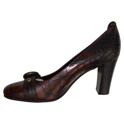 Coccinelle pumps in crocodile leather look