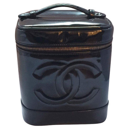 Chanel Beautycase aus Lackleder