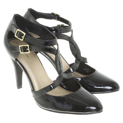 Tahari Sandalen Patent Leather