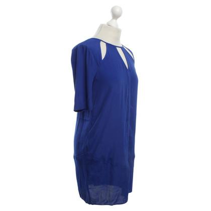 BCBG Max Azria Kleid in Blau