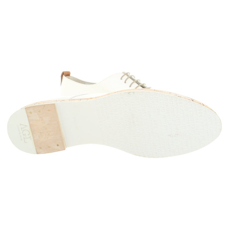 5bc9c6fb4b98 ... AGL Schnürschuhe aus Lackleder Weiß Neuankömmling Rabatt-Shop Sehr  Billig Online Kaufen Mit Paypal ZqDuyZsFK7
