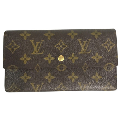 Louis Vuitton  Wallet International