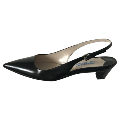 Prada Slingbacks in zwart