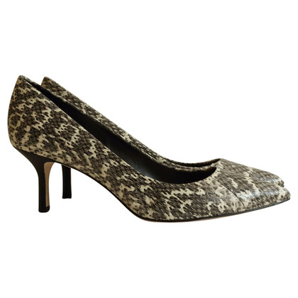 Elie Tahari pumps in snake leather look