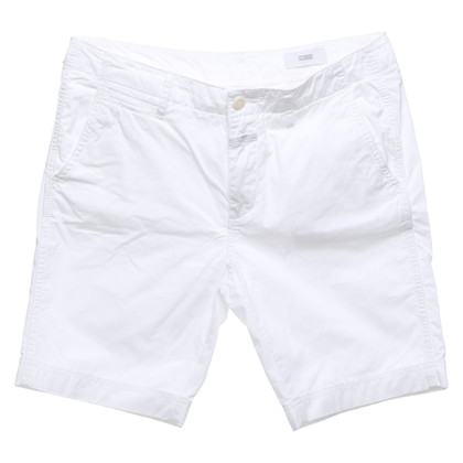 Closed Shorts in white