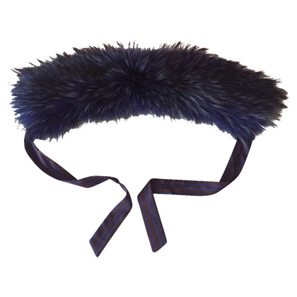 Max Mara Fur collar to bind