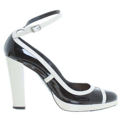 Barbara Bui Lackleder-Pumps in Schwarz