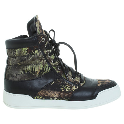 Balmain Sneaker with tropical patterns