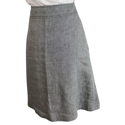 Hugo Boss skirt in tweed look