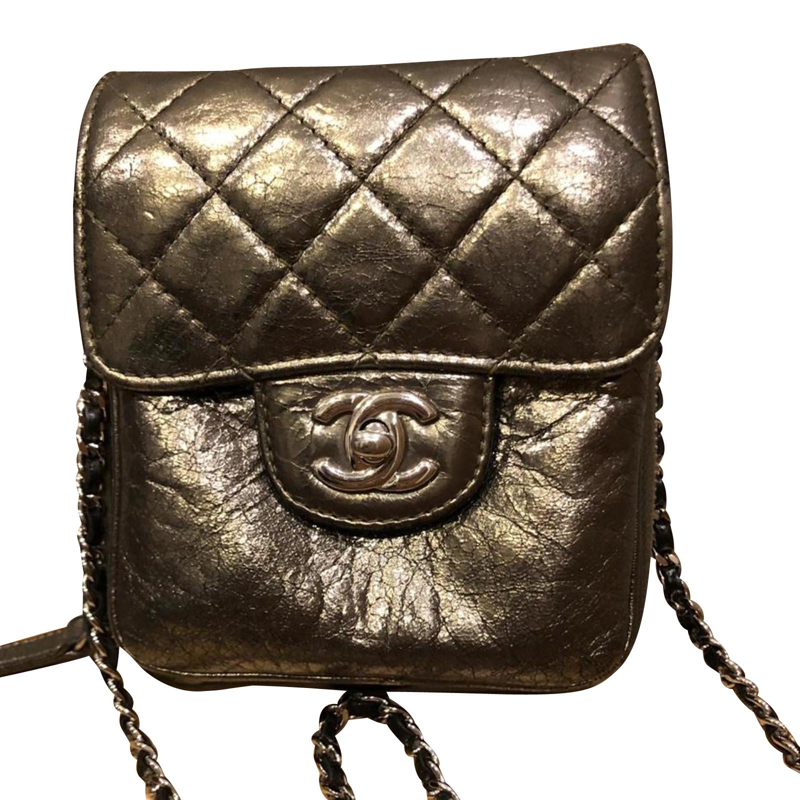 nuovo di zecca e0c70 9a390 Chanel Borsa a tracolla in Pelle in Argenteo - Second hand Chanel ...