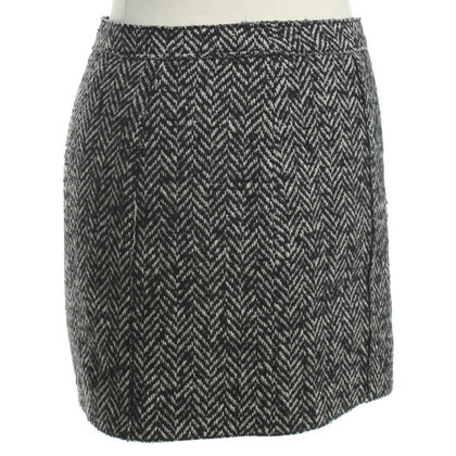 D&G skirt herringbone pattern