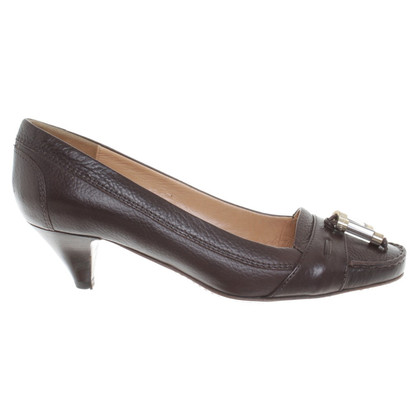 Hugo Boss Lederpumps in Braun