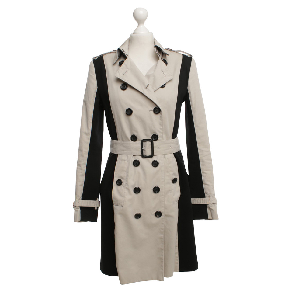 burberry trenchcoat in beige black buy second hand burberry trenchcoat in beige black for. Black Bedroom Furniture Sets. Home Design Ideas