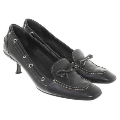 Prada Leather pumps in black