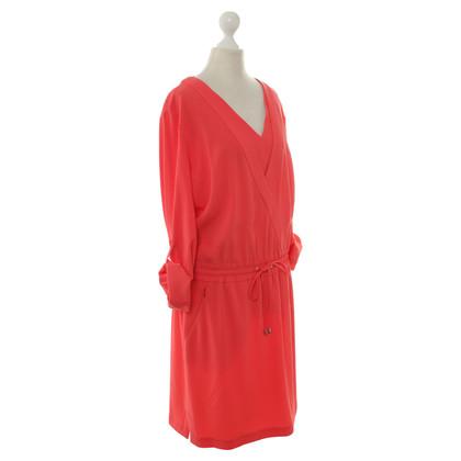 Laurèl Kleid mit V-Ausschnitt