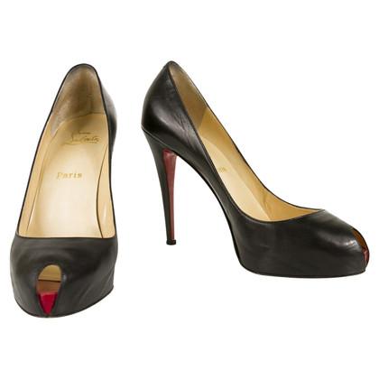 Christian Louboutin Peep-dita dei piedi in nero