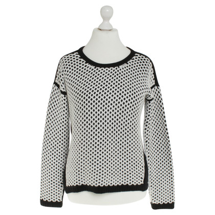 Hugo Boss Sweater with pattern