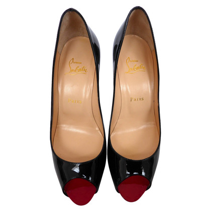 Christian Louboutin Patent Leather Scarpe peep toe