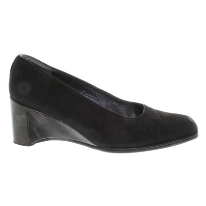Stuart Weitzman  pumps from suede