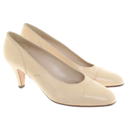 Chanel Pumps in Beige
