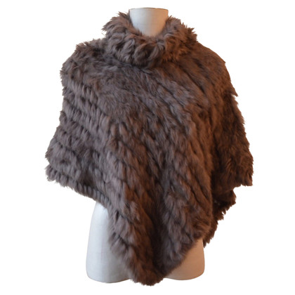 Oakwood fur poncho