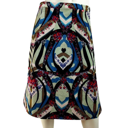 Christian Lacroix kleurrijke kleding