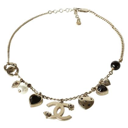 Chanel Halskette mit Anhängern