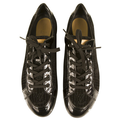 Louis Vuitton Sneaker in black