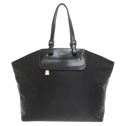 Furla Tasche in Schwarz