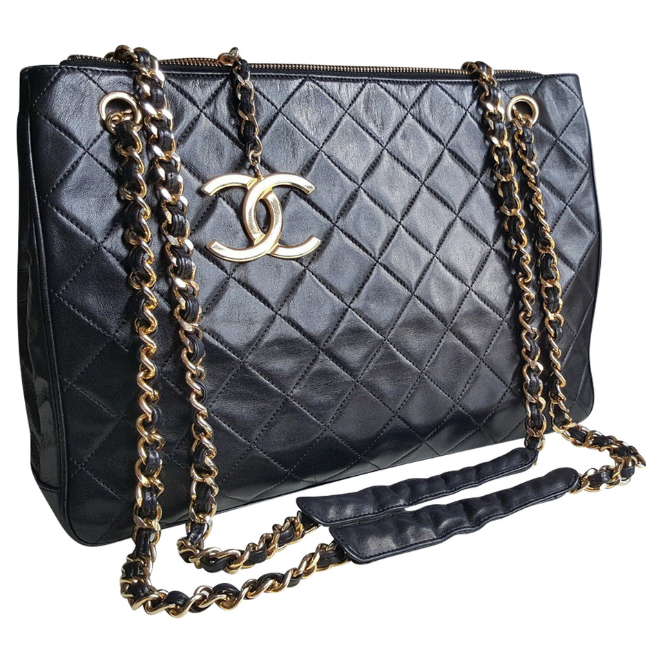 chanel ledertasche second hand chanel ledertasche. Black Bedroom Furniture Sets. Home Design Ideas