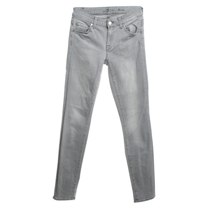 7 For All Mankind Stonewashed Jeans in Grau