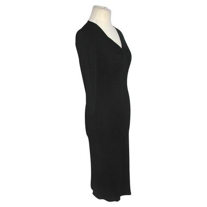 Armani Collezioni robe noire
