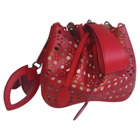Billige Finish Fabrikverkauf Alaïa Handtasche mit Lochmuster Rot Rabatte Verkauf Online Günstig Kaufen Bestseller Verkauf Mit Mastercard kTqX6vWwO