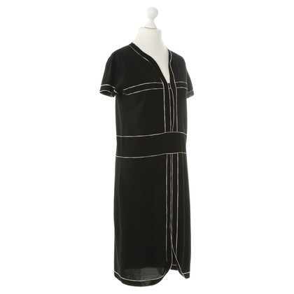 Chanel Strickkleid in Schwarz-weiß