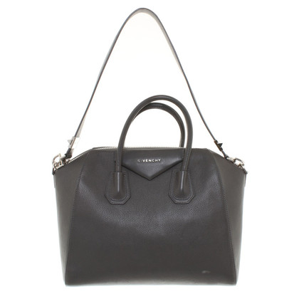 "Givenchy ""Antigona Bag"" in Grau"