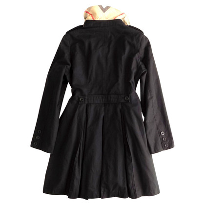 Burberry Trenchcoat with pleated detail
