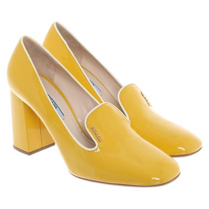 Prada pumps in giallo