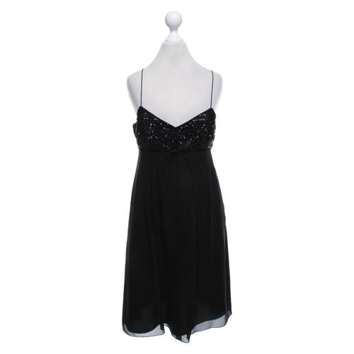 2c6da8c22012f2 Hugo Bosszijden jurk in zwart- Second-handHugo Bosszijden jurk in ...