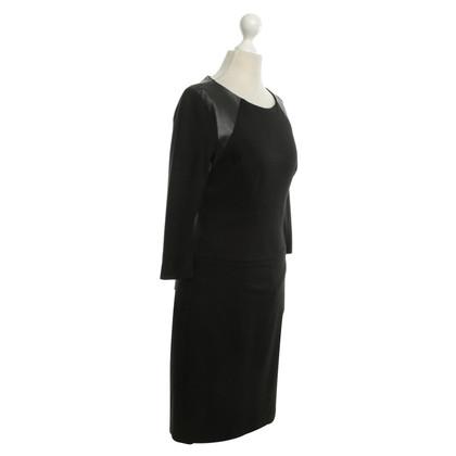 Hugo Boss Kleid mit Leder-Elementen