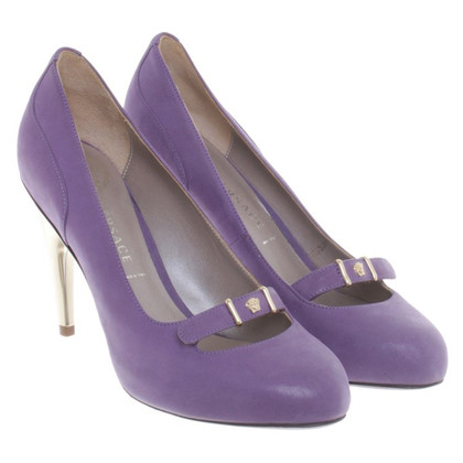 Versace Pumps in Violett