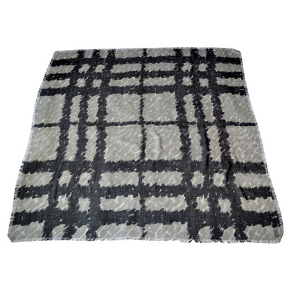 Burberry XXL cashmere towel with silk / wool