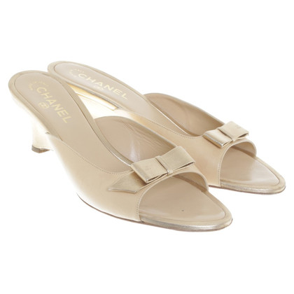 Chanel Sandals in beige / gold colors