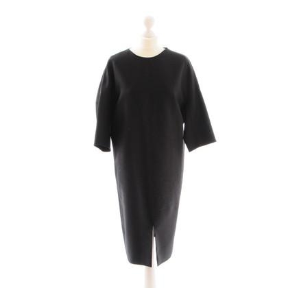 Jil Sander Zwarte jurk in Eggshape