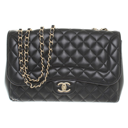 "Chanel ""Classic Flap Bag Medium"" in Schwarz"