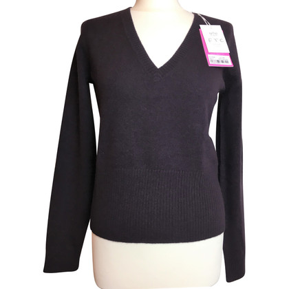 FTC Cashmere sweaters in Aubergine